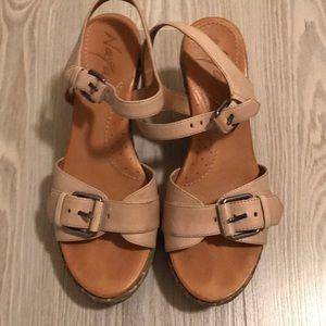 Naya wedge sandals